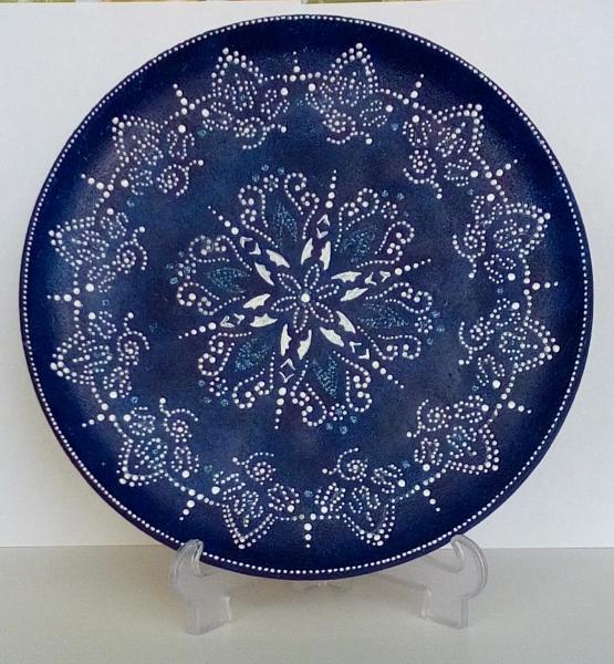 Блюдо. Точечная роспись по керамике